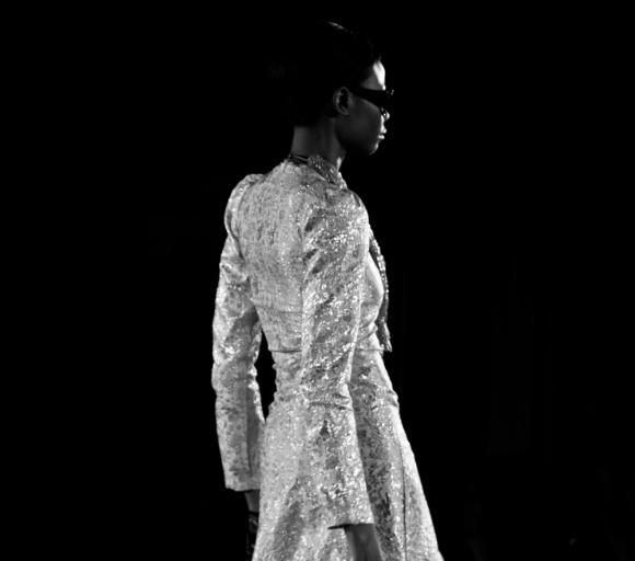 Model Black White